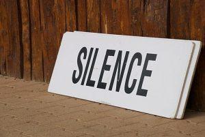 512px-Taize-Silence